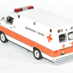 Dodge horton 1 43 ambulance 1973 neo autominiature01 3
