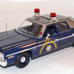Dodge monaco poursuite police 1975 ameciran muscle 1 18 autominiature01 com amm1009 1
