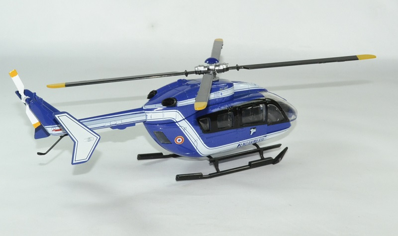 Eurocoptere ec145 gendarmerie 1 43 new ray autominiature01 2
