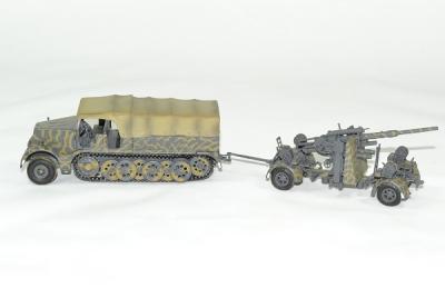 Famo semi chenillé and flak 36/37 88mm germany 1945