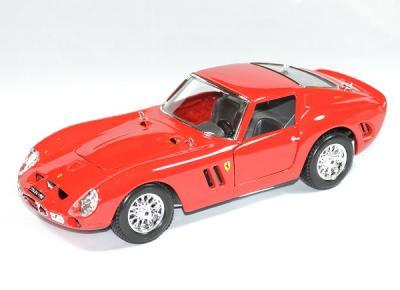 Ferrari 250 GTO 1962 rouge