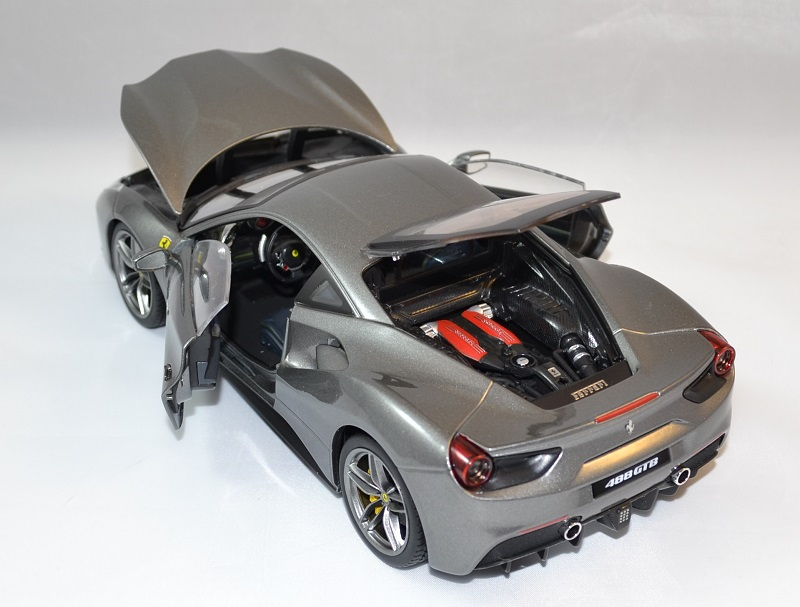 Ferrari 488 gtb grise bburago 1 18 bur16905g autominiature01 5