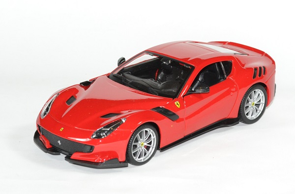 Ferrari f12 tdf 2016 rouge 1 24 bburago autominiature01 1