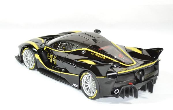 Ferrari fxx k noire 1 18 bburago autominiature01 2