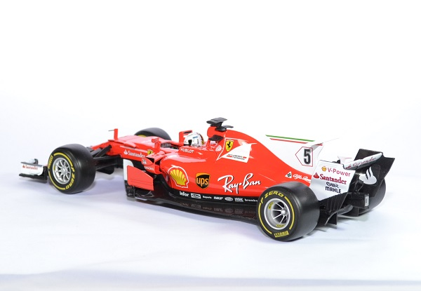 ferrari sf70h 5 s vettel 2017 miniature bburago 1 18. Black Bedroom Furniture Sets. Home Design Ideas