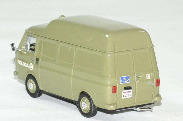 Fiat 238 polizia 1972 vert 1 43 rio autominiature01 2