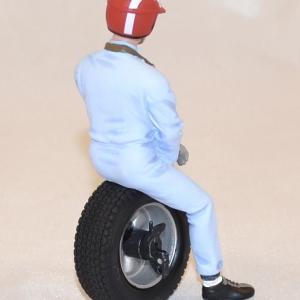 Figurine jo siffert 1963 1 18 le mans miniatures autominiature01 com 2