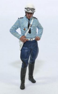 Figurine policier motocycliste des années 1975-1980 debout