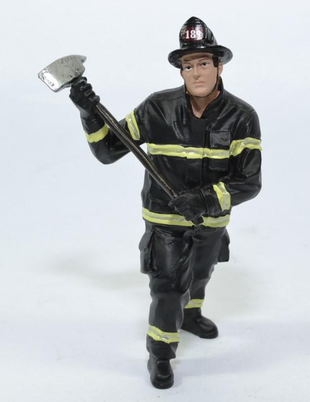 Figurine pompier hache usa american diorama 1 18 autominiature01 77461
