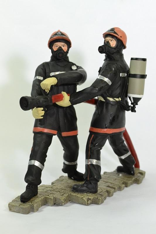 Figurines jeunes sapeurs pompiers pom063 19cm autominiature01
