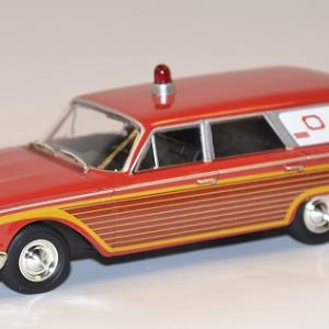 Ford 1946 ambulance whitebox 1 43 autominiature01 com 1