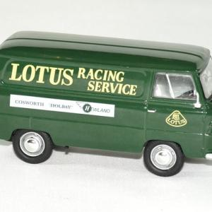 Ford 400 e lotus team service 1 43 owford autominiature01 3