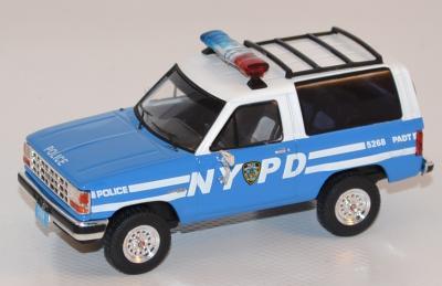 Ford Bronco 2 Police NYPD USA 1990