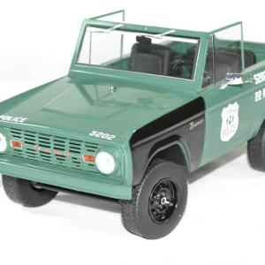 Ford bronco police poursuit NYPD