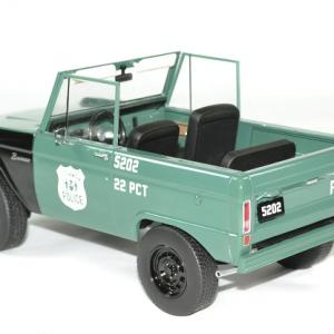 Ford bronco police 1967 nypd 1 18 greenlight autominiature01 2