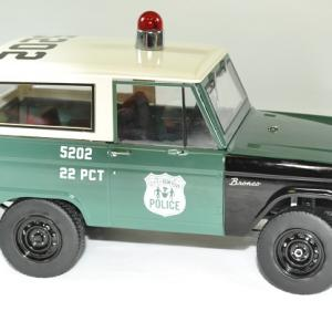 Ford bronco police 1967 nypd 1 18 greenlight autominiature01 3