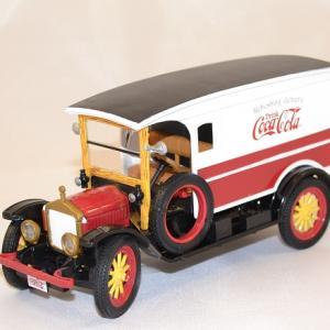 Ford van white 1920 Coca Cola livraison