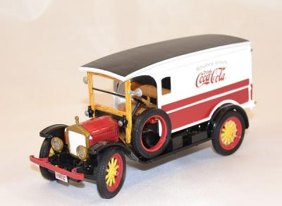 Ford van white 1920 Coca Cola livraison 1-32 Motor City