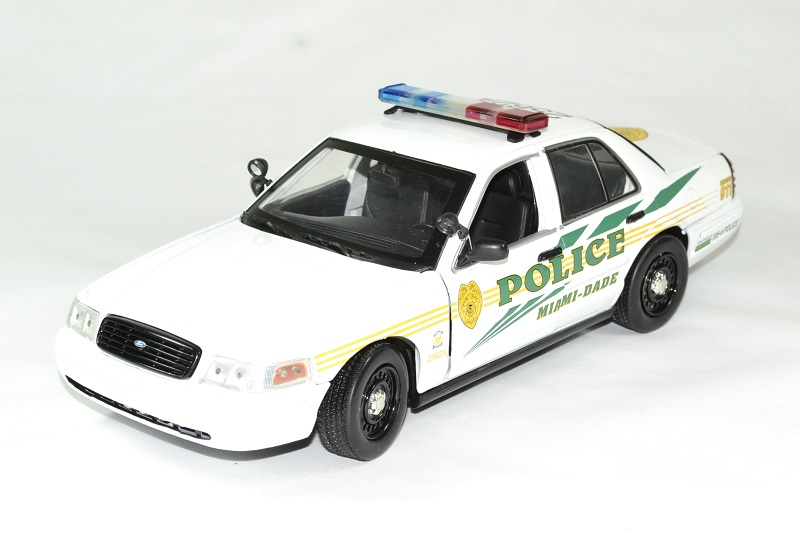 Ford criown victoria police 2003 les experts serie 43 greenlight autominiature01 1