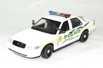 Ford crown victoria police interceptor 2003 'les experts miami- dade police