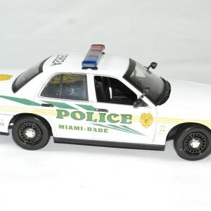 Ford criown victoria police 2003 les experts serie 43 greenlight autominiature01 3