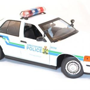 Ford crown victoria 2001 interceptor 1 18 miniature police motor max 2