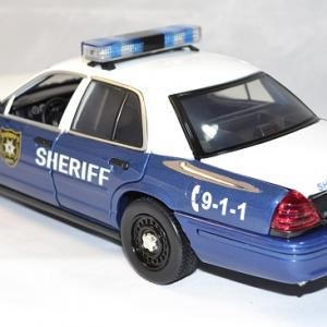 Ford crown victoria 2001 walking dead rick greenlight 1 18 autominiature01 com 2