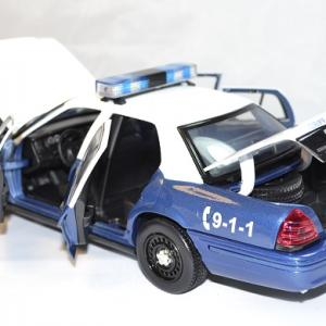 Ford crown victoria 2001 walking dead rick greenlight 1 18 autominiature01 com 3