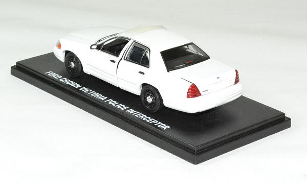 Ford crown victoria interceptor 1998 2012 police 1 43 greenlight autominiature01 2