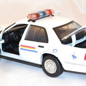 Ford crown victoria royal canadian police 1 18 miniature motor max 3