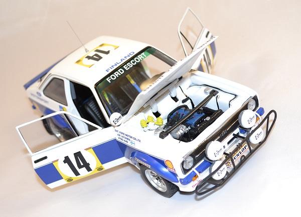 Ford escort rs 1800 safary 1977 vatanen sunqtar 1 18 autominiature01 3