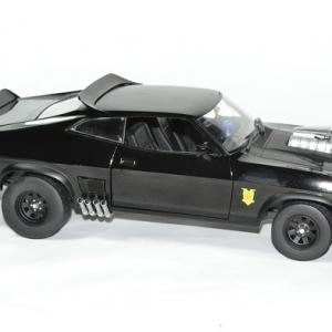 Ford falcon mad max 1979 poursuit 1 18 greenlight autominiature01 3