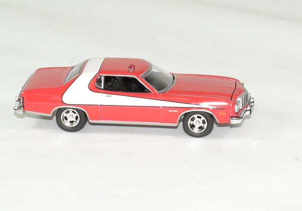 Ford gran torino 1976 starsky hutch 1975 greenlight 1 64 autominiature01 2