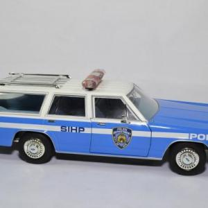 Ford ltd break nypd 1988 1 18 greenlight 19062 autominiature01 3