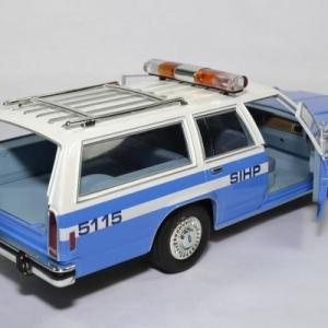 Ford ltd break nypd 1988 1 18 greenlight 19062 autominiature01 4