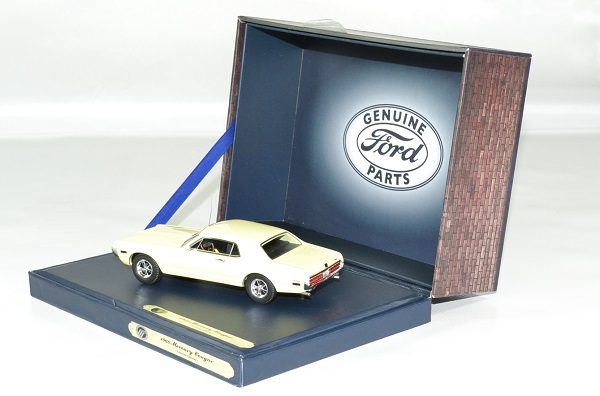 Ford mercury 1968 cougar 1 43 gfp autominiature01 3