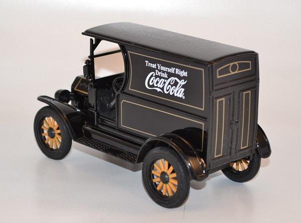 Ford model t 1913 noir coca cola 449104 1 24 autominiature01 com 3
