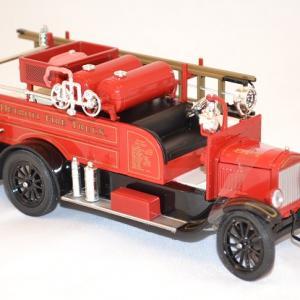 Ford model t pompier 1926 signature miniature auto 1 43 autominiature01 com 2