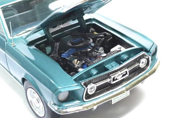Ford mustang 2 2 class 68 1968 auto world 1 18 autominiature01amm1132 4