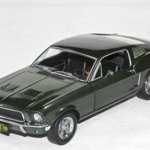 Ford mustang bullit 1968 1 24 greenlight autominiature01 1