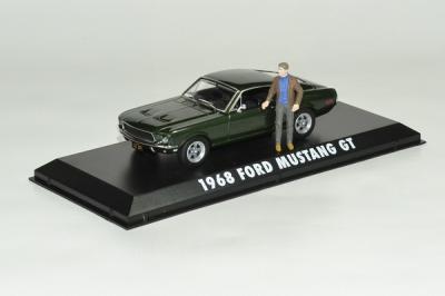 "Ford Mustang Film ""Bullit"" 1968 avec figurine Steve Mc Queen debout"