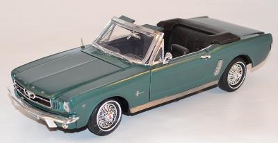 Ford Mustang  Cabriolet 1964 vert 1/18 Motor Max avec la ref MOM73145MG