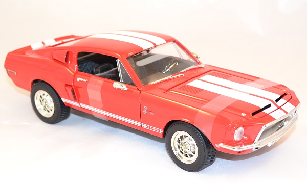 Ford mustang shelby gt 500kr road signature 92168 1 18 autominiature01 com 2