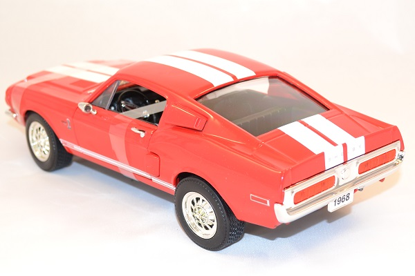 Ford mustang shelby gt 500kr road signature 92168 1 18 autominiature01 com 3