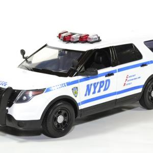 Ford police interceptor new york nypd 1 18 2015 greenlight autominiature01 1