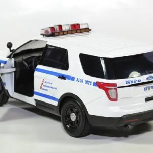 Ford police interceptor new york nypd 1 18 2015 greenlight autominiature01 3