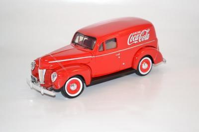 Ford Sedan 1940 van Coca-Cola rouge