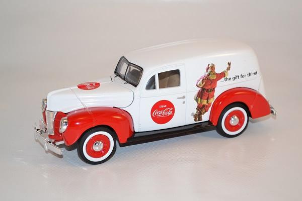 Ford sedan 1940 coca cola holiday van fourgon 1 24 439695 autominiature01 com 1