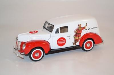 Ford Sedan 1940 van Coca-Cola Holiday