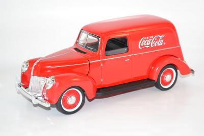Ford Sedan 1940 van Coca-Cola Motor City rouge au 1-18